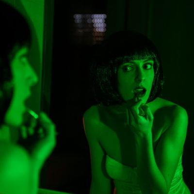 Ethel Fanti nel video Eyes of The Dying Stars degli Hate Inc.